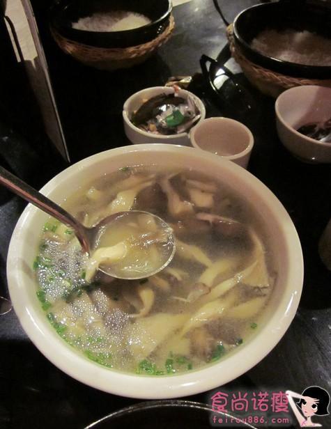 电离辐射人群 多吃木耳芦笋蘑菇汤