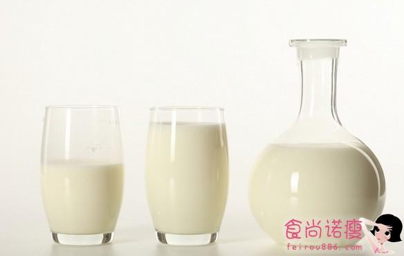 这样喝牛奶嘴易发臭!